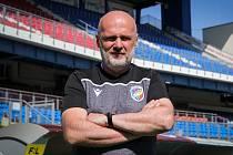 Nový trenér plzeňské Viktorie Michal Bílek už včera pózoval v Doosan Areně.