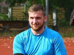 David Bičiště během rozcvičky na pondělním prvním tréninku letní přípravy.