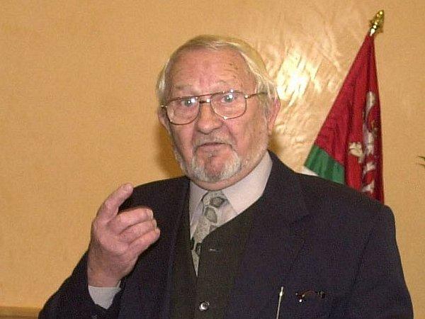 František Juřička (1928 – 2012) byl výraznou plzeňskou osobností a tatínkem Tomáše