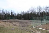 V prostoru za házenkářským hřištěm a tenisovými kurty vyroste přírodní sportoviště