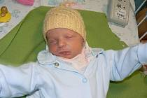 Pětiletá Eliška Fleišmanová už se moc těší, až maminka a sestřička budou zporodnice doma. Novorozená Šárka (2,36 kg, 46 cm) se narodila 27. dubna v6.17 hod. ve FN vPlzni a maminka Markéta i tatínek Zdeněk zPlzně-Křimic mají také velikou radost