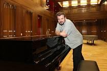 Do Pekingu se chystá Miroslav Brejcha hned ve dvojí roli: jako ředitel Konzervatoře Plzeň a předseda prezidia Mezinárodní smetanovské klavírní soutěže