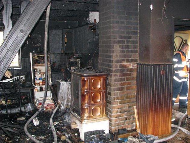 Požár chaty v Merklíně u Přeštic