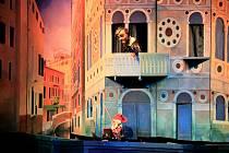 Živý přenos sobotních představení v Divadle Alfa se připravuje několik dní. O minulém víkendu mohli diváci zhlédnout Umanutou princeznu.