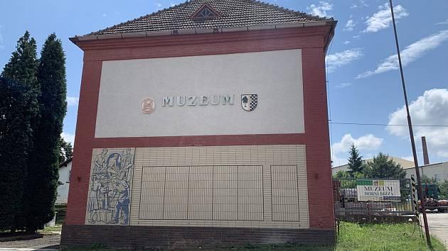 Muzeum keramiky v Horní Bříze. V současné době se rekonstruuje, veřejnosti bude přístupné za měsíc.