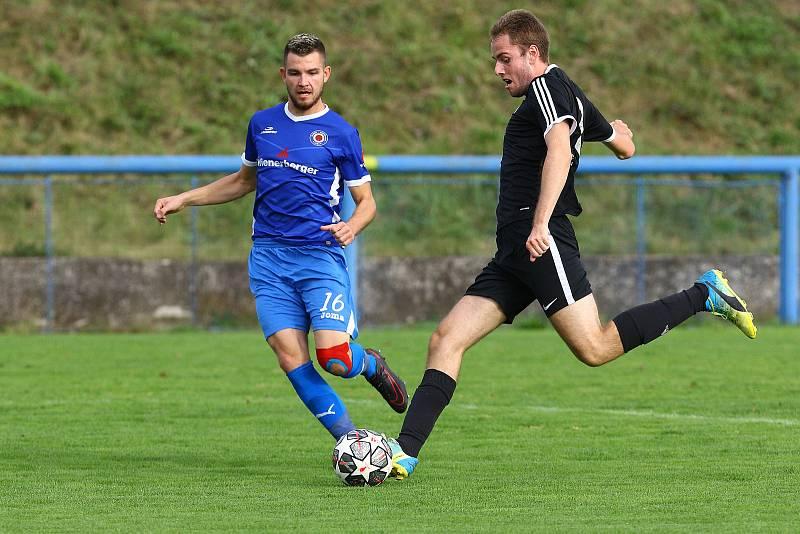Rapid Plzeň (černí) - TJ Zruč (modří) 1:3.