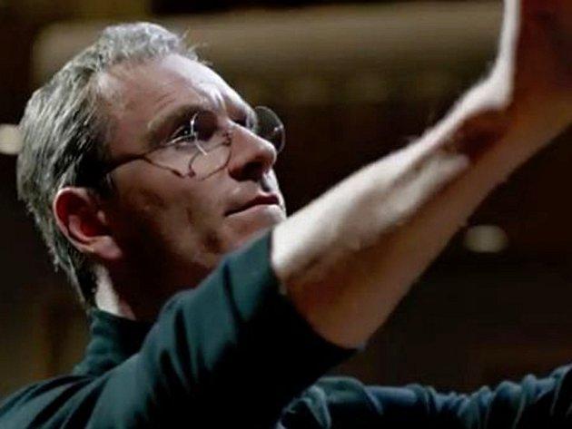 Steve Jobs v podání herce Michaela Fassbendera