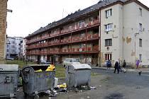 Problémová lokalita kolem pavlačového domu v Jateční ulici.
