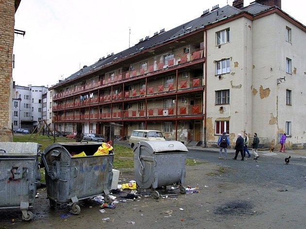 Problémová lokalita kolem pavlačového domu vJateční ulici.