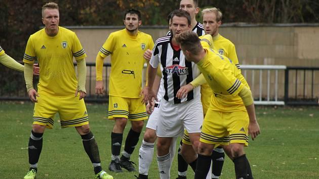 Stříbro (ve žlutém) porazilo Bolevec 3:0.