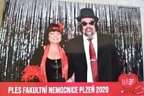 Vzpomínka na loňský ples Fakultní nemocnice Plzeň.