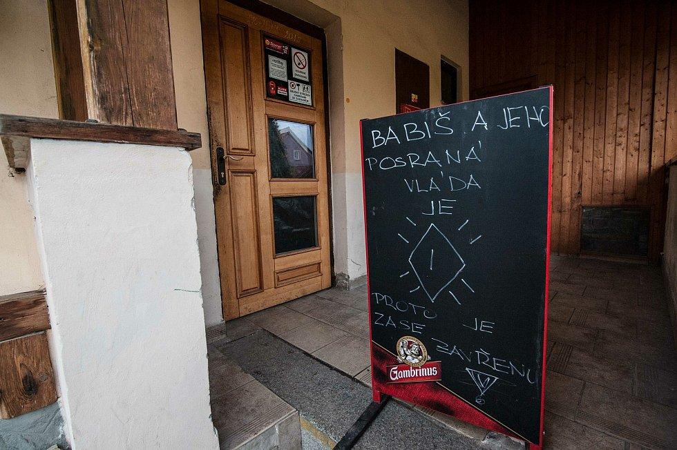 Chotěšov, petiční místo, iniciativa chcípl PES