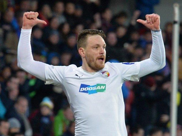 Ondřej Vaněk se raduje z prvního gólu v síti Sparty.