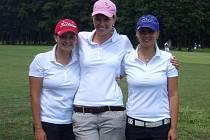 Na nedávném dvoudenním klání  v Poděbradech si ženy Golf klubu Plzeň–Dýšina (na snímku) vybojovaly postup do druhé nejvyšší soutěže