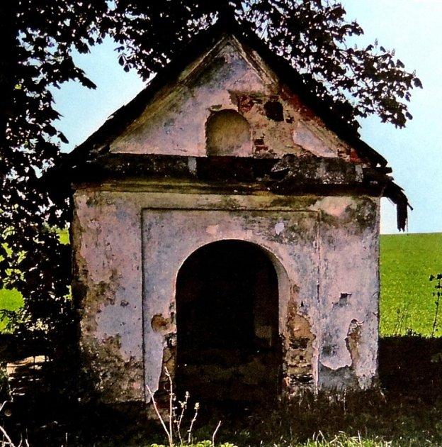 Kaplička před rekonstrukcí
