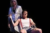 Snímek ze hry Ženy přežijí, kde hraje i Vojta Kotek