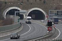 Tunelem Valík projedeme stovkou už v příštím roce.