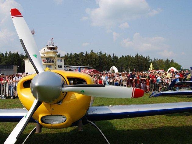 Letecký den v Plasích nabídl široký program