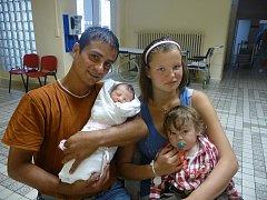 Maminka Julie Wuschková a tatínek F. Kneifl chovají dceru Elišku (2,75 kg, 47 cm), která se narodila 10. srpna ve 3:30 v Mulačově nemocnici v Plzni.  Ze sestřičky má radost také bráška František (14 měsíců)