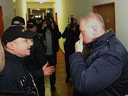 Kontroly plzeňských ubytoven se zúčastnil také ministr vnitra Milan Chovanec (na snímku vpravo) a primátor Plzně Martin Zrzavecký
