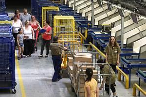 Česká pošta den otevřených dveří třídírna balíků