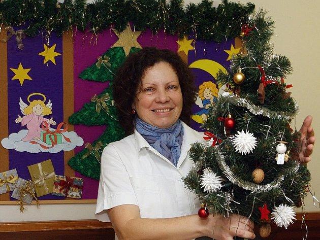 Vánoční atmosféra. S výzdobou pomáhaly sestry
