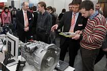 Firmy, které mají zájem o studenty technických oborů, je hledají třeba i na Veletrhu pracovních příležitostí