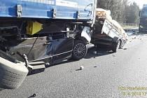 Hromadná dopravní nehoda na dálnici D5 u Ejpovic.