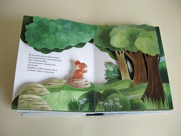 Eva Majerová vytvořila jako svou diplomovou práci pop-up knihu. Ztvárnila vní příběh myšky, jež vyrazila do světa.