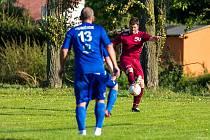 LIMBERSKÉHO ŠAJTLE už je pojem ve fotbalovém světě poměrně známý, ale také Pavel Fořt podobný kop předvádí ve III. třídě v okrese Plzeň-sever, podobně jako v utkání na hřišti Hunčic.