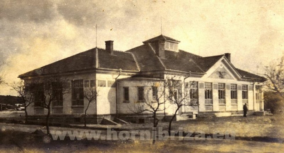 Sokolovna v roce 1922 po opravě.