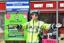 Policista na křižovatce