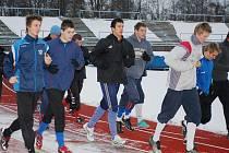Fotbaloví starší dorostenci FC Viktorie Plzeň odstartovali zimní přípravu na tartanovém oválu Městského stadionu ve Štruncových sadech