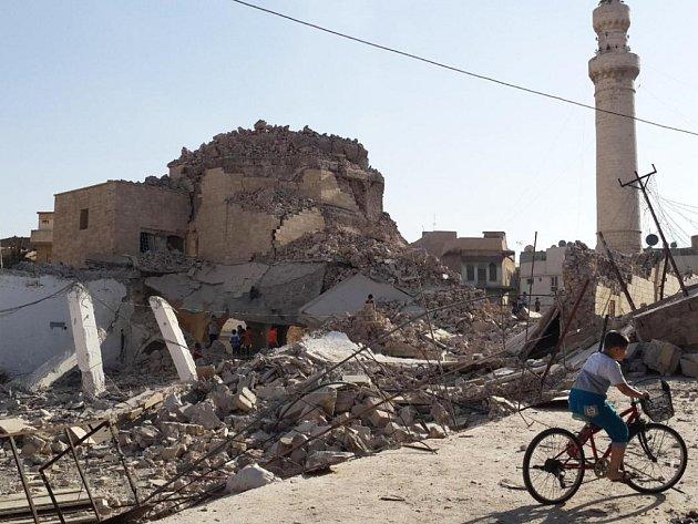 Pozdně středověká mešita Nabi Džirdžis po demolici