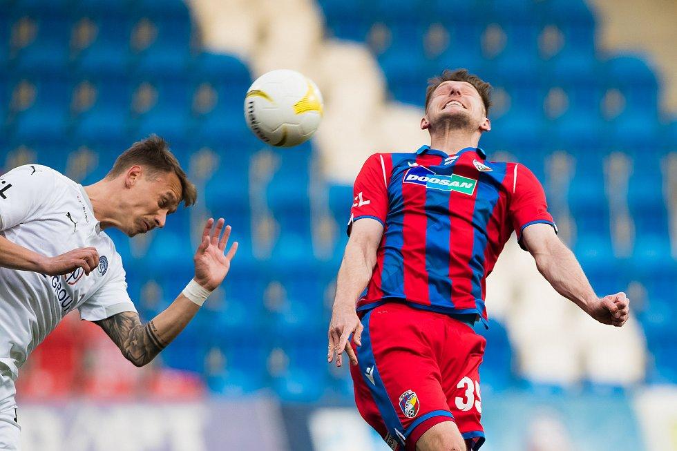 Plzeňský stoper Filip Kaša při domácím vítězství 2:1 nad Slováckem.