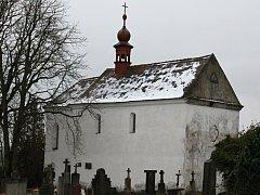 O kostel sv. Martina na všerubském hřbitově se bude místo církve starat město.