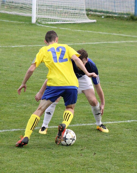 FORTUNA divize A: Doubravka (žlutí) vs. Mýto (modří)