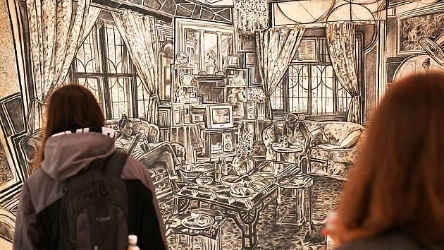 Oběd u mámy Tiny. Tak se jmenuje kresba Petra Zubka vystavená v Galerii města Plzně.