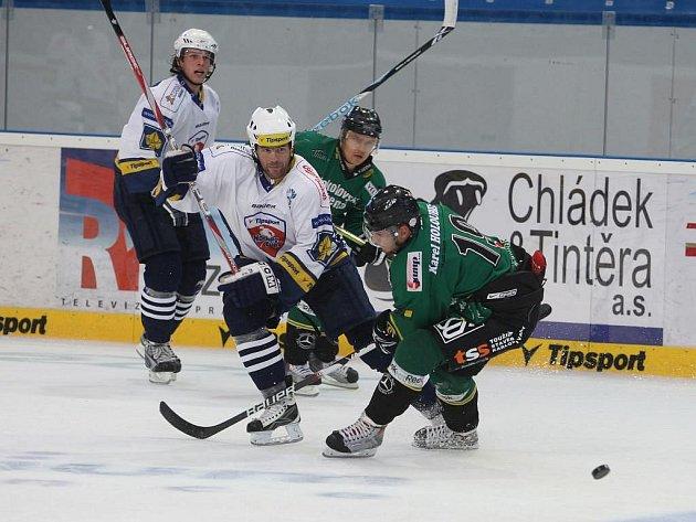 Přípravný zápas Plzně a Karlových Varů skončil až v samostatných nájezdech. Plzeň vyhrála na domácím ledě 3:2