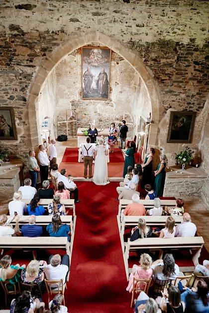 Jubilejní svatba vkostele sv. Petra a Pavla vDolanech uHlinců.