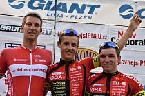Z úspěchu se při GP NejlevnejsiPneu.cz radovali zleva druhý Michal Kesl, vítěz Tomáš Medek a bronzový Vojtěch Nipl.