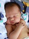 Oliver Beran se narodil 18. prosince v9:55 mamince Šárce a tatínkovi Miroslavovi zRobčic. Po příchodu na svět vchebské porodnici vážil jejich synek 3290 gramů.