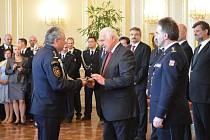 Plzeňští hasiči v úterý převzali ocenění na Pražském hradě
