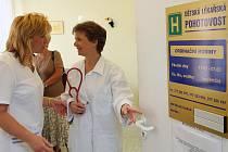První služba na přestěhované dětské pohotovosti v Nemocnici u Sv. Jiří připadla včera na lékařku Tatianu Florianovou. Dětská pohotovost na Slovanech již nefunguje