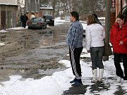Havárie vodovodu ve Zborovské ulici v Plzni