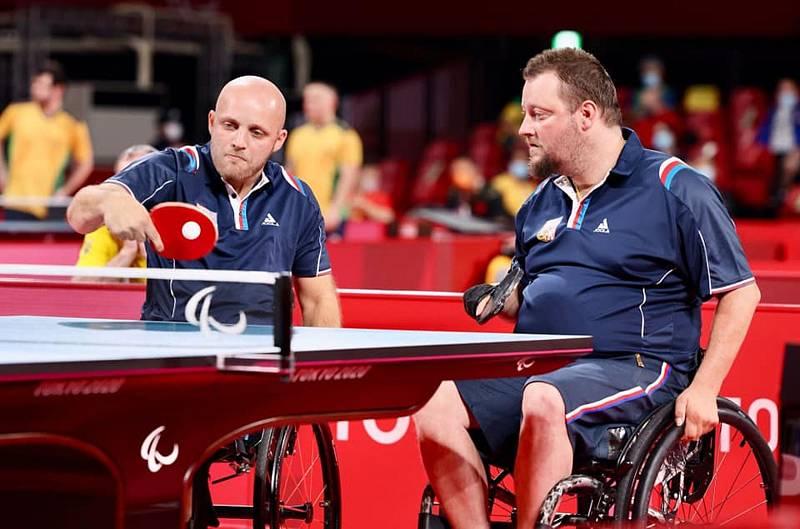 Petr Svatoš (vlevo) s Jiřím Suchánkem získali na paralympijských hrách v Tokiu bronzové medaile.