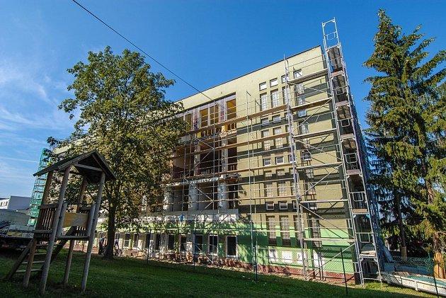 Pavilon 28. základní školy během rekonstrukce