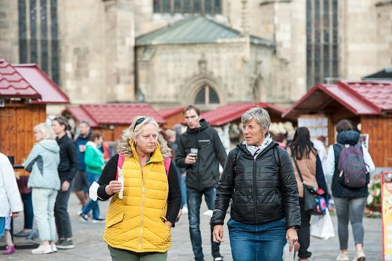 V Plzni na náměstí Republiky začaly Havelské trhy.