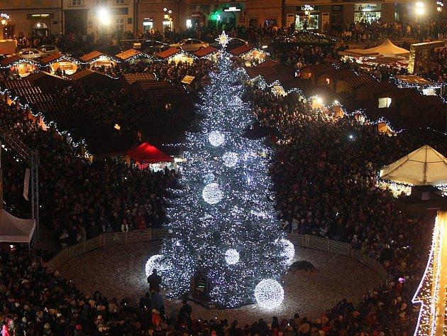 Rozsvícení vánočního stromu v Plzni