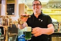 Pivovar Purkmistr připravil ke svátku svatého Patrika zelený dvanáctistupňový ležák s příchutí tří bylinek.
